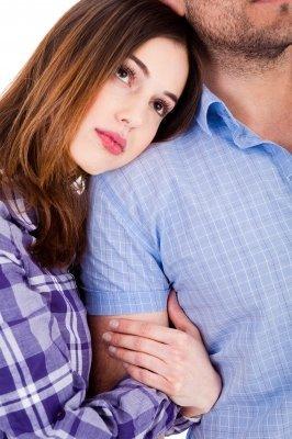 8 signalen dat mijn ex-vriend nog steeds van mij houdt.